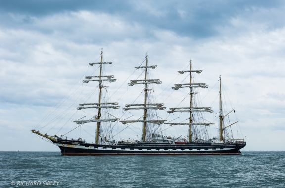 The Russian 4 masted Barque 'Kruzenshtern' on the start line Antwerp 2010
