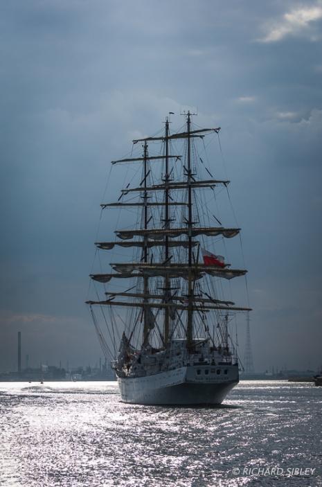 Polish Full Rigger, Dar Mlodziezy. Parade of Sail Antwerp Tall Ships Race 2010