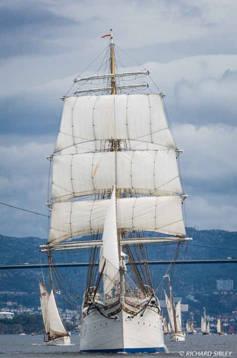 Norwegian Barque, Statsraad Lehmkuhl leads the parade of sail