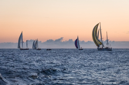 Class C and D vessels underway