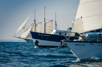 Blue Clipper, committee boat John Jerwood and Rona ll. RDV 2017
