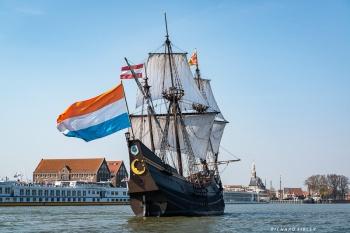 Entering the harbour undersail